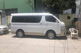 Selling 2nd Hand Toyota Hiace 2013 Automatic Diesel at 50000 km in Makati