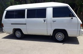 Selling Mitsubishi L300 2005 Van Manual Diesel in Las Piñas