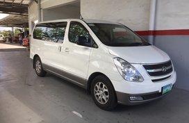 White 2011 Hyundai Grand Starex for sale in Carmona