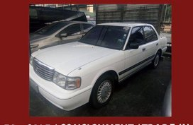 Selling White Toyota Crown 1993 in Parañaque