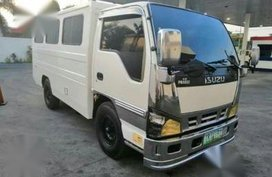2nd Hand Isuzu Nhr 2011 for sale in Quezon City