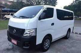 Selling 2nd Hand White Nissan NV350 Urvan 2017 at 43000 km