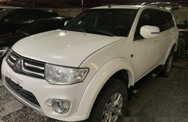 Sell White 2014 Mitsubishi Montero Sport at Automatic Diesel at 30000 km