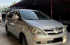 Selling Silver Toyota Innova 2005 at 119000 km