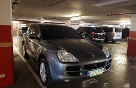 Grey Porsche Cayenne 2006 at 65000 km for sale