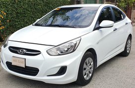 Sell White 2017 Hyundai Accent Automatic Gasoline in Quezon City