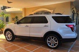 Selling Used Ford Explorer 2014 in Makati
