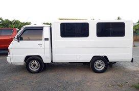 Selling 2nd Hand 2010 Mitsubishi L300 Van White