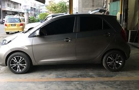 Selling Silver 2014 Kia Picanto Manual at 30000 km