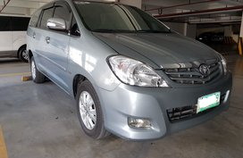 Selling 2nd Hand 2009 Toyota Innova Automatic Gray
