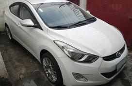 Selling 2nd Hand White Hyundai Elantra 2012 at 60000 km