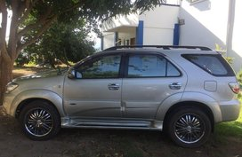 Selling 2nd Hand Toyota Fortuner 2009 Automatic Diesel at 100000 km in San Fernando
