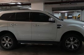 Selling 2nd Hand 2016 Ford Everest in Angeles