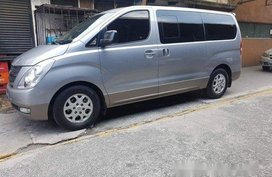 Selling Silver Hyundai Grand Starex 2014 in Pasig