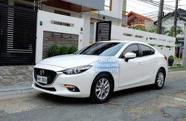 Selling Sedan 2017 Mazda 3 at 8000 km