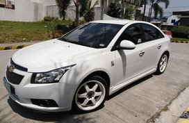 Selling 2nd Hand White Chevrolet Cruze 2012 Automatic