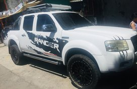 Selling 2nd Hand Truck White Ford Ranger 2010