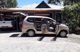 Selling Suv Beige Toyota Avanza 2012
