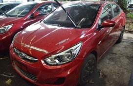 Selling Red Hyundai Accent 2017 in Makati