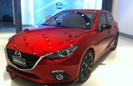 Used Mazda 3 2015 at 10000 km for sale