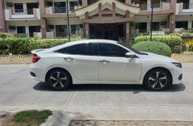 Selling White Honda Civic 2016 in Metro Manila