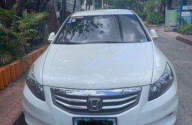 Selling Honda Accord 2012 Automatic Gasoline in Makati