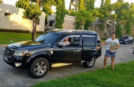 Selling 2nd Hand Ford Everest 2009 Automatic Diesel at 71000 km in Bacoor