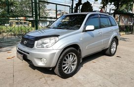 2nd Hand Toyota Rav4 2004 Automatic Gasoline for sale in Valenzuela