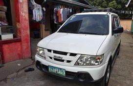 Selling White Isuzu Crosswind 2007 Manual Diesel at 20000 km in San Pablo