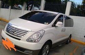 Selling White Hyundai Starex 2015 Automatic Diesel in Manila