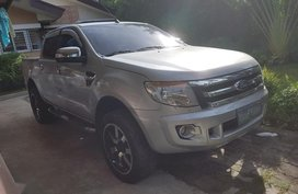 Selling Ford Ranger 2013 at 100000 km in Olongapo
