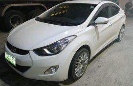 Selling 2nd Hand Hyundai Elantra 2012 in Metro Manila