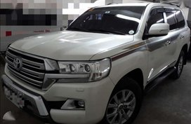 Selling Toyota Land Cruiser 2017 at 20000 km in Angono
