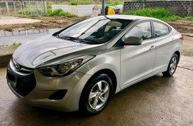 Selling Hyundai Elantra 2013 Manual Gasoline in Santa Rosa