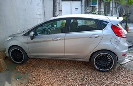 Selling 2nd Hand Ford Fiesta 2014 in Pasig