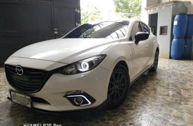 Sell 2nd Hand 2015 Mazda 3 Hatchback at 45000 km in Quezon City
