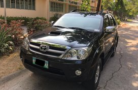 Black 2008 Toyota Fortuner Automatic Diesel for sale