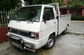 Selling Mitsubishi L300 2003 Manual Diesel in Valenzuela