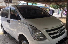 Selling 2nd Hand Hyundai Starex 2018 Van Manual Diesel at 10000 km in Lipa