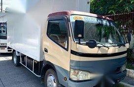 Isuzu Elf 2006 Van Manual Diesel for sale in Pasig