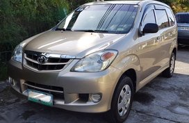 2nd Hand Toyota Avanza 2010 for sale in Las Piñas