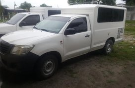 2nd Hand Toyota Hilux 2013 at 96468 km for sale