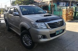Selling 2nd Hand Toyota Hilux 2014 in Alcala