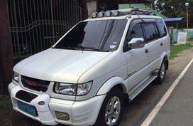 Isuzu Crosswind 2004 Automatic Diesel for sale in Quezon City