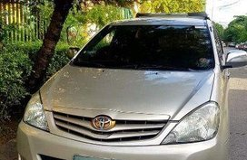 Selling 2nd Hand Toyota Innova 2009 in Las Piñas