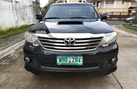 Black 2013 Toyota Fortuner Automatic Diesel for sale in Metro Manila