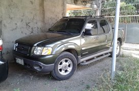 Selling Green Ford Explorer 2001 Truck in Laguna