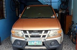 Selling 2nd Hand Isuzu Crosswind 2010 in Cabuyao