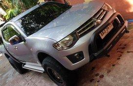 Selling 2nd Hand Mitsubishi Strada 2014 in Meycauayan