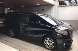 Black Toyota Alphard 2017 at 1700 km for sale